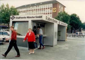 erster Kiosk in Farbe